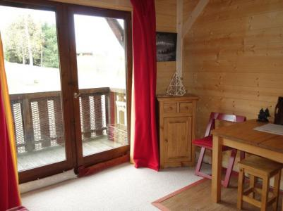 Rent in ski resort 1 room apartment 2 people (1) - Résidence de Pierre Plate - Saint Gervais - French window onto balcony