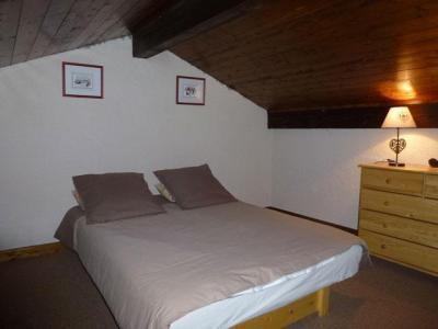 Location au ski Studio mezzanine 6 personnes (17) - Residence Le Taguy - Saint Gervais - Chambre mansardée