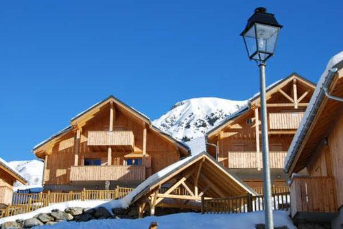 Accommodation with swmimming pool Les Chalets Des Ecourts