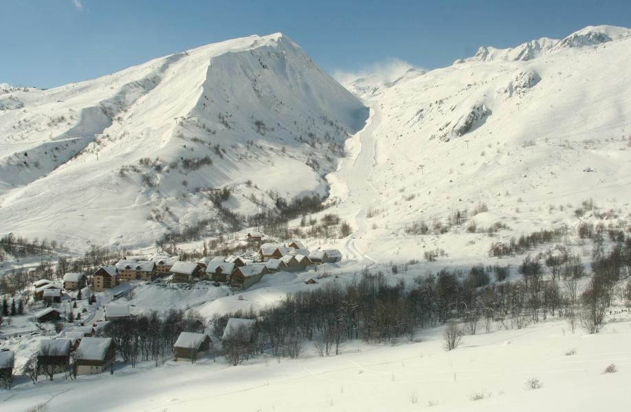Location au ski Les Chalets de la Fontaine - Saint Jean d'Arves - Extérieur hiver