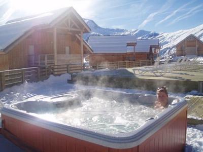 Location au ski Chalets Les Marmottes - Saint Jean d'Arves - Jacuzzi