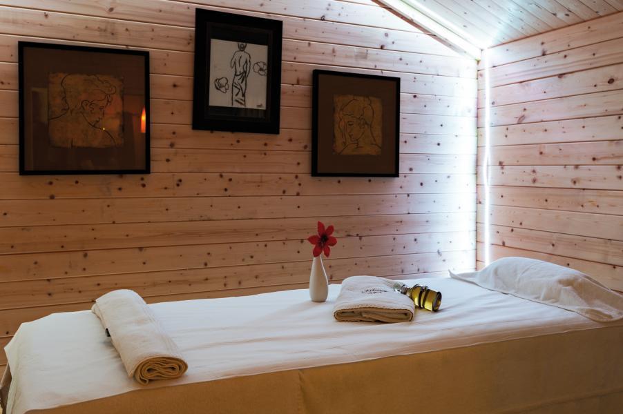 Location au ski Résidence Lagrange l'Ardoisière - Saint Lary Soulan - Massage