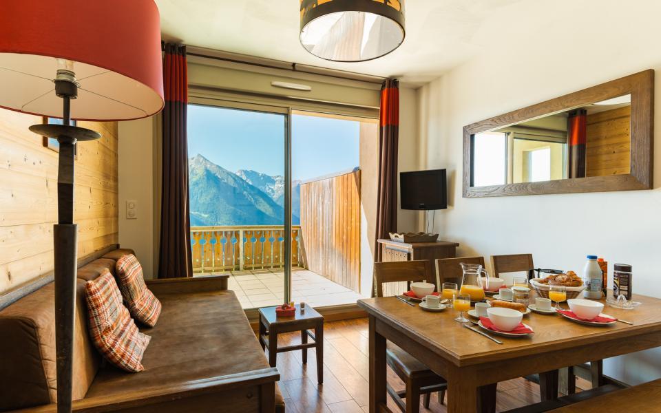 Location au ski Résidence Lagrange les Chalets de l'Adet - Saint Lary Soulan - Coin repas