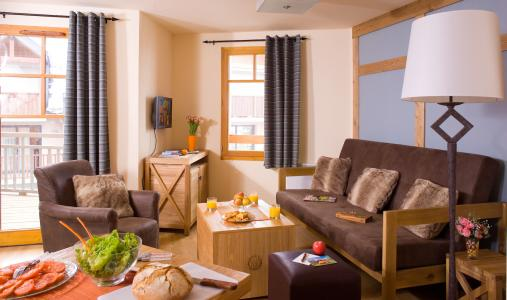 Rent in ski resort Résidence Cami Real - Saint Lary Soulan - Living room