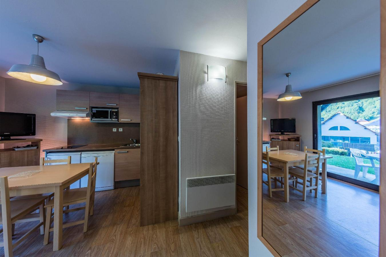 Accommodation with swmimming pool Residence Les Trois Vallees