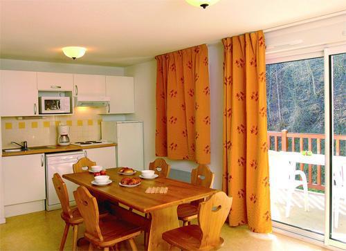 Location au ski Appartement 2 pièces cabine 5-6 personnes - Residence Soleil D'aure - Saint Lary Soulan - Coin repas