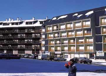 Location au ski Les Residences Pla D'adet - Saint Lary Soulan - Extérieur hiver
