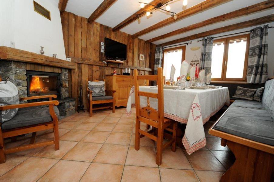 Wynajem na narty Apartament triplex 5 pokojowy kabina  8 osób - Chalet Marie Gros - Saint Martin de Belleville - Jadalnia
