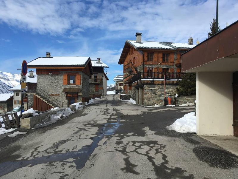Vacances en montagne Chalets les Granges - Saint Martin de Belleville - Extérieur hiver
