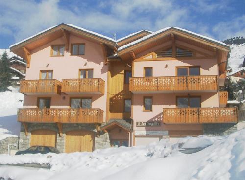 Vacances en montagne Résidence les Coronilles - Saint Martin de Belleville - Extérieur hiver