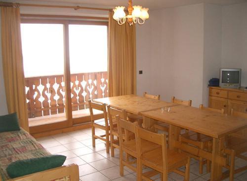 Location au ski Appartement 3 pièces 6 personnes (3) - Résidence les Coronilles - Saint Martin de Belleville - Porte-fenêtre donnant sur balcon