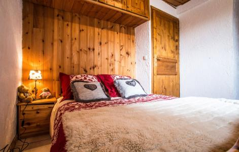 Rent in ski resort Chalet Loutantin - Saint Martin de Belleville - Bed