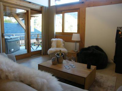 Rent in ski resort 4 room triplex chalet 6 people (Aigle) - Le Hameau de Caseblanche - Saint Martin de Belleville - Living room