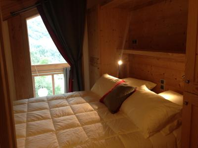 Rent in ski resort 4 room triplex chalet 6 people (Coron) - Le Hameau de Caseblanche - Saint Martin de Belleville - Double bed