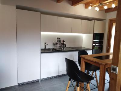 Rent in ski resort 4 room triplex chalet 6 people (Coron) - Le Hameau de Caseblanche - Saint Martin de Belleville - Kitchen