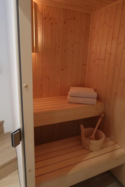 Rent in ski resort 4 room triplex chalet 6 people (Retreat) - Le Hameau de Caseblanche - Saint Martin de Belleville - Sauna