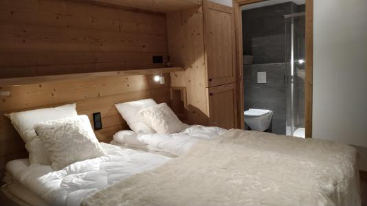 Rent in ski resort 4 room triplex chalet 6 people (Selini) - Le Hameau de Caseblanche - Saint Martin de Belleville - Bedroom