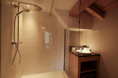 Rent in ski resort 5 room triplex chalet 8 people (Eceel) - Le Hameau de Caseblanche - Saint Martin de Belleville - Bath-tub