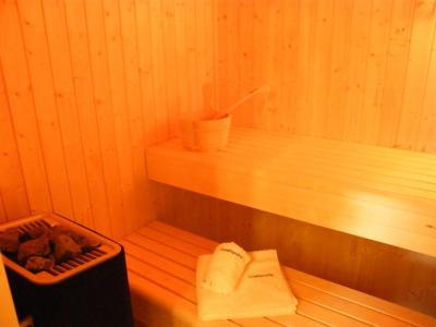 Rent in ski resort 5 room triplex chalet 8 people (Landenoire) - Le Hameau de Caseblanche - Saint Martin de Belleville - Sauna