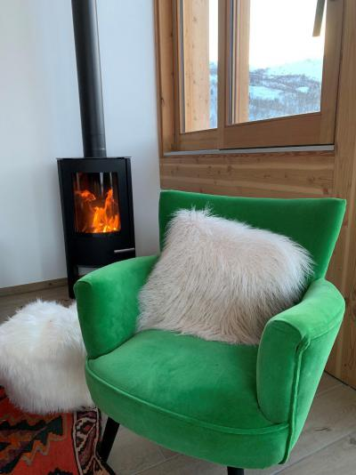 Rent in ski resort 5 room triplex chalet 8 people (Pomme de Pin) - Le Hameau de Caseblanche - Saint Martin de Belleville - Armchair