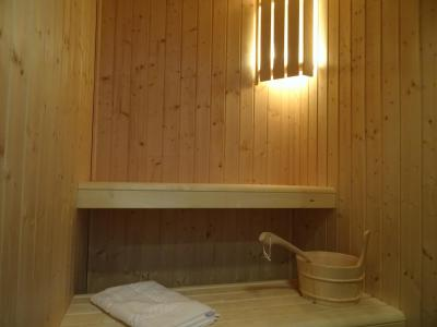 Rent in ski resort 5 room triplex chalet 8 people (Pomme de Pin) - Le Hameau de Caseblanche - Saint Martin de Belleville - Sauna