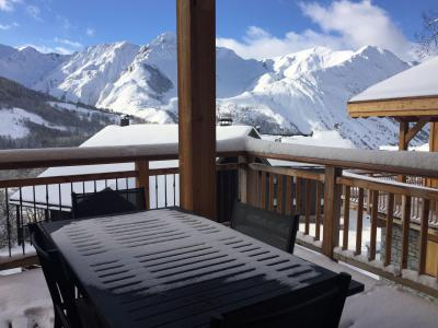 Rent in ski resort 6 room quadriplex chalet 10 people (Monte Corona) - Le Hameau de Caseblanche - Saint Martin de Belleville - Table