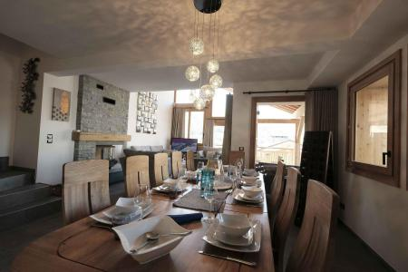 Rent in ski resort 7 room triplex chalet 12 people (Tawny) - Le Hameau de Caseblanche - Saint Martin de Belleville - Table