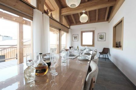 Rent in ski resort 8 room quadriplex chalet 14 people (Allium) - Le Hameau de Caseblanche - Saint Martin de Belleville - Table