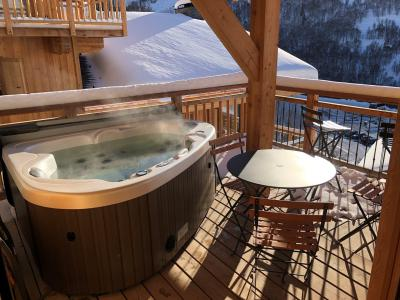 Rent in ski resort 4 room triplex chalet 6 people (Aigle) - Le Hameau de Caseblanche - Saint Martin de Belleville - Jacuzzi