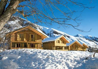 Accommodation with swmimming pool Residence Les Chalets De L'arvan Ii