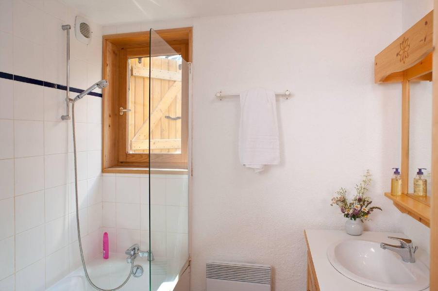 Rent in ski resort Les Fermes de Saint Sorlin - Saint Sorlin d'Arves - Bathroom