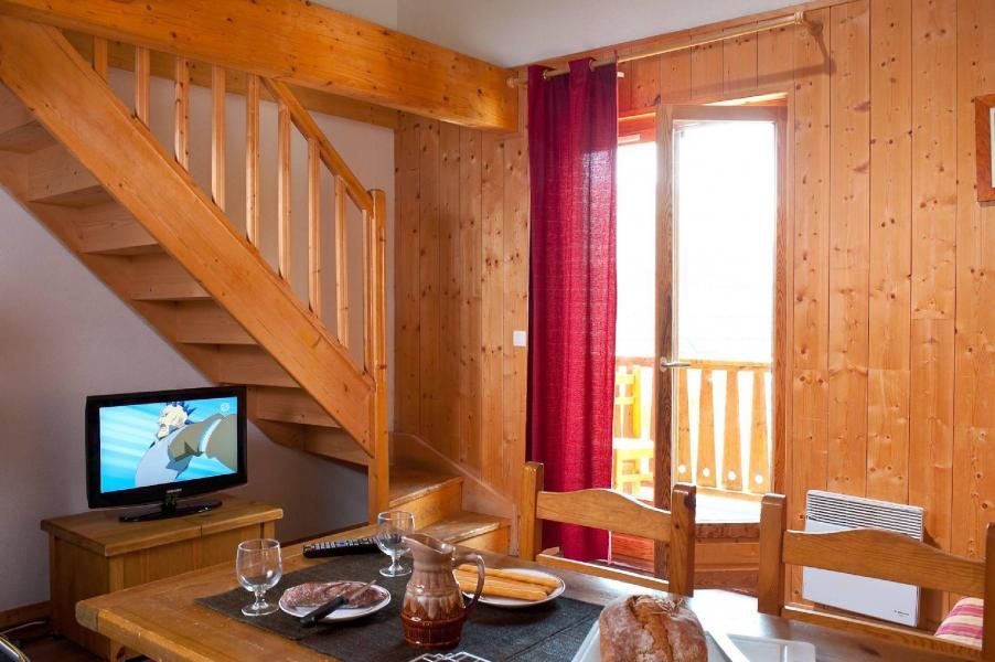 Rent in ski resort Les Fermes de Saint Sorlin - Saint Sorlin d'Arves - Living area