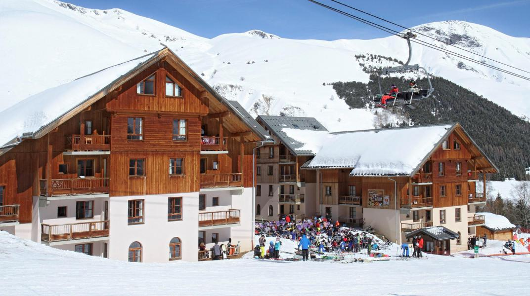 Vacances en montagne Résidence Prestige l'Orée des Pistes - Saint Sorlin d'Arves - Extérieur hiver