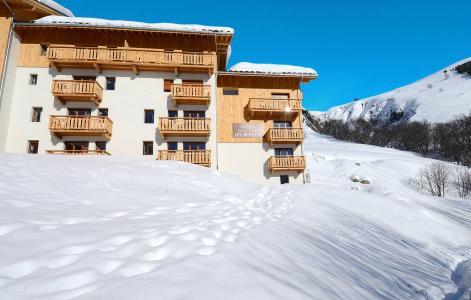 Vacances en montagne Résidence les Bergers - Saint Sorlin d'Arves - Extérieur hiver