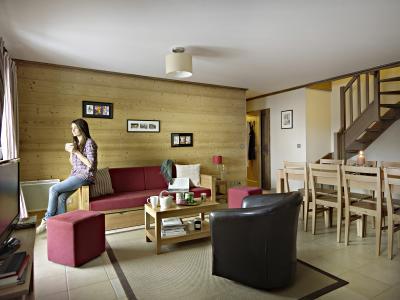 Rent in ski resort Résidence le Ruitor - Sainte Foy Tarentaise - Living room