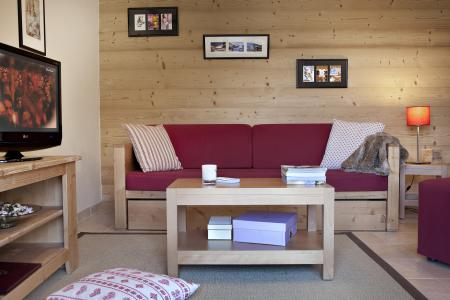 Rent in ski resort Résidence le Ruitor - Sainte Foy Tarentaise - Settee