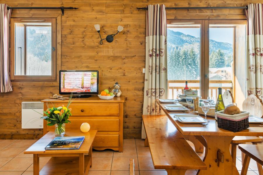 Location au ski Résidence Lagrange les Fermes de Samoëns - Samoëns - Tv à écran plat