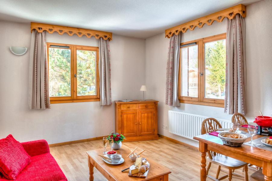 Location au ski Residence Le Domaine Du Grand Tetras - Samoëns - Coin séjour