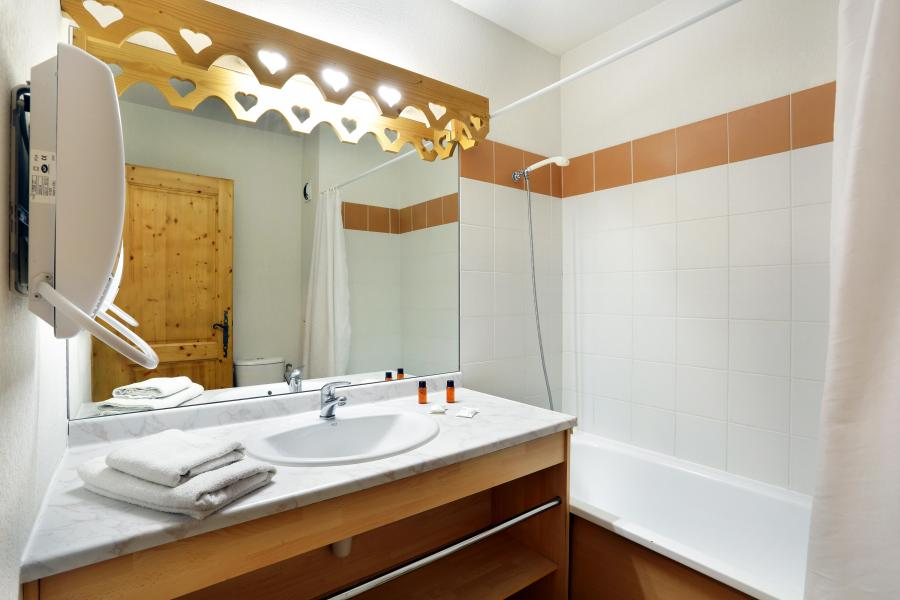 Location au ski Residence Le Domaine Du Grand Tetras - Samoëns - Salle de bains