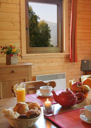 Location au ski Residence Le Domaine Du Grand Tetras - Samoëns - Coin repas