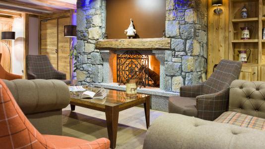 Rent in ski resort Résidence les Chalets de Layssia - Samoëns - Fireplace