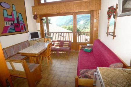 Rent in ski resort Studio mezzanine 6 people (3P11) - Résidence les Hauts de Trainant - Samoëns - Living room