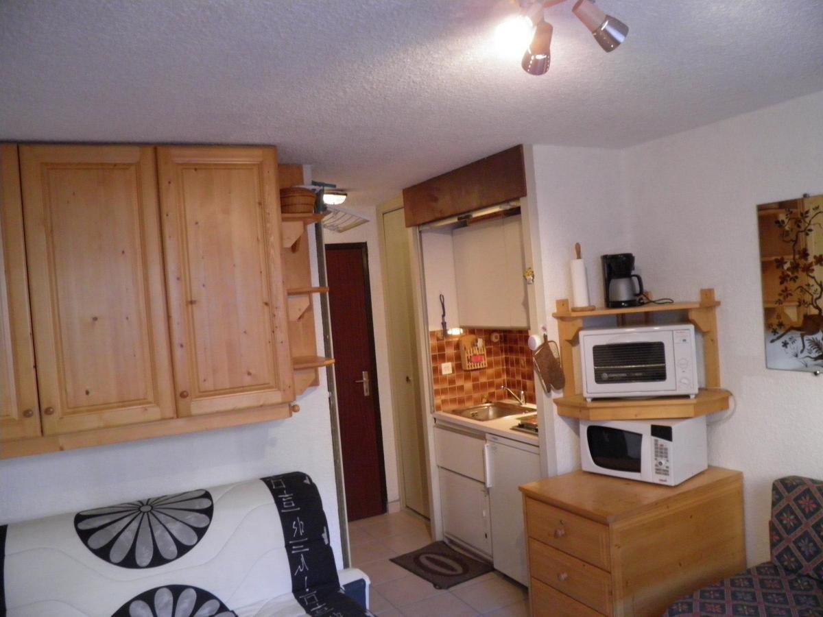 Location au ski Studio 2 personnes (562) - Residence Bois Des Coqs - Serre Chevalier - Canapé