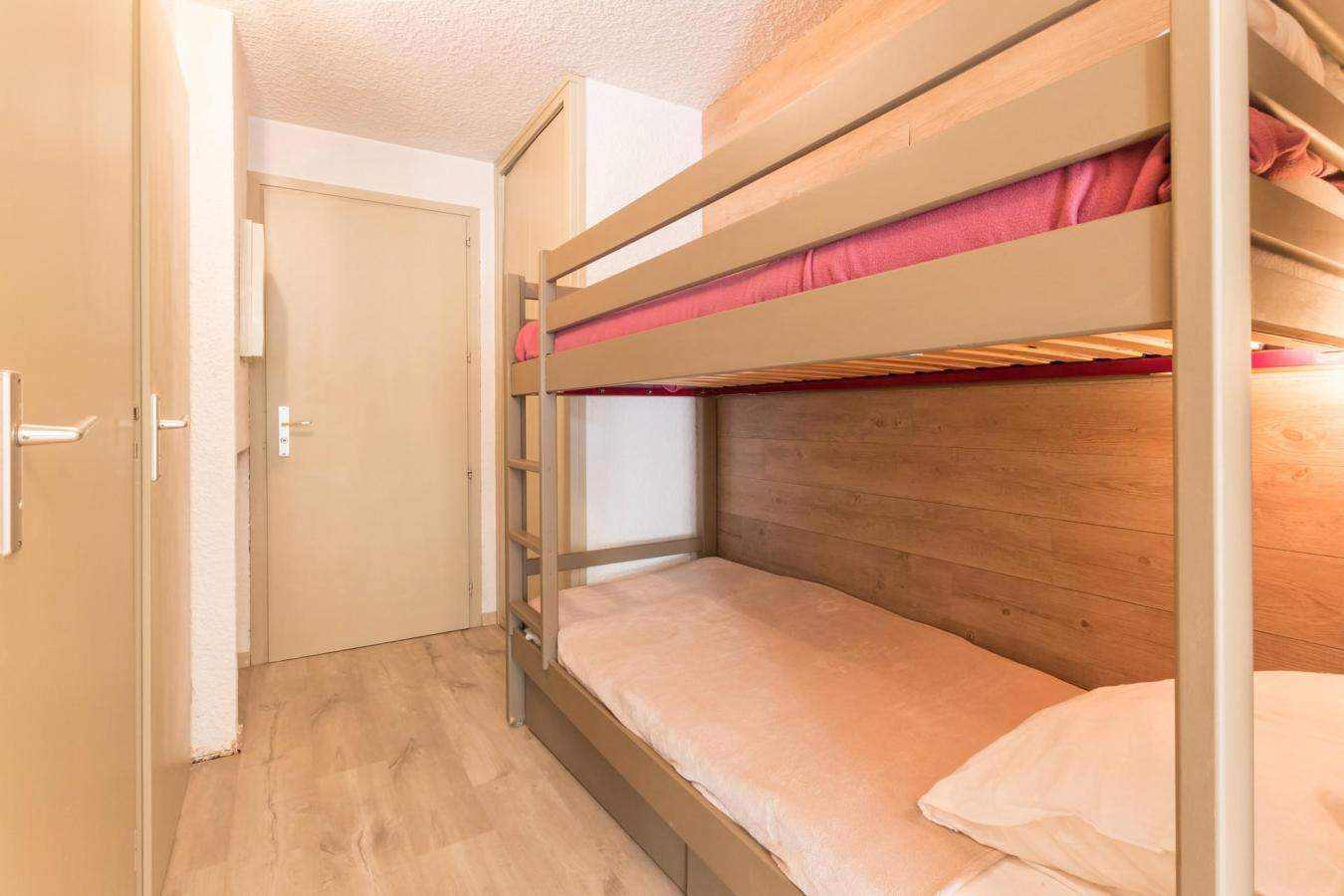 Location au ski Studio coin montagne 4 personnes (108) - Residence L'izoard - Serre Chevalier - Lits superposés