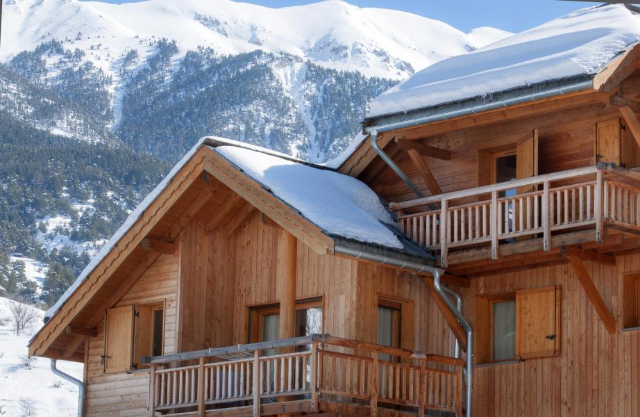 Vacances en montagne Chalet l'Eterlou - Serre Chevalier - Extérieur hiver