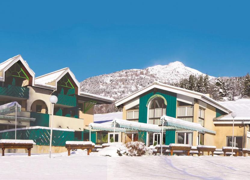 Location au ski Hôtel Club Les Alpes d'Azur - Serre Chevalier - Extérieur hiver