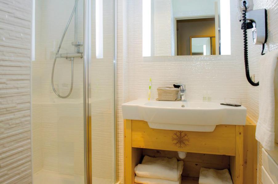 Location au ski Chambre 2 personnes (Confort) - Hôtel Club Les Alpes d'Azur - Serre Chevalier - Salle de bains
