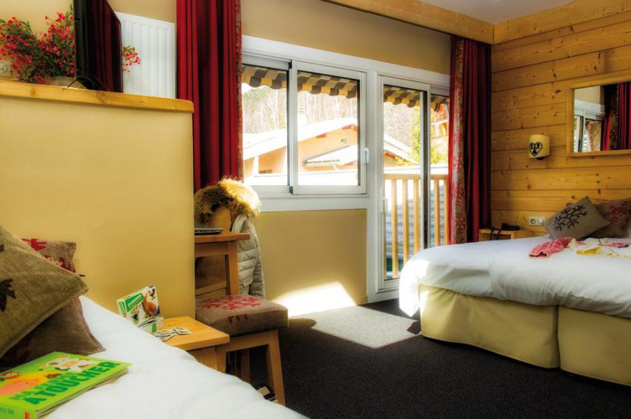 Rent in ski resort Room 3 people (Confort) - Hôtel Club Les Alpes d'Azur - Serre Chevalier - Bedroom