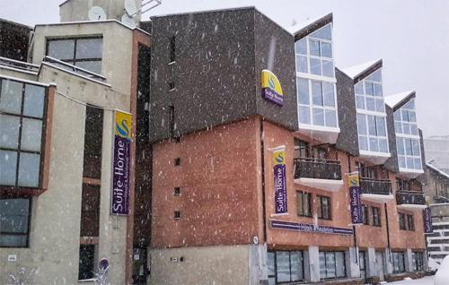 Location au ski Hôtel Suite Home Briançon - Serre Chevalier - Extérieur hiver