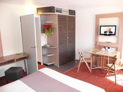 Wynajem na narty Hôtel Suite Home Briançon - Serre Chevalier - Łóżkem małżeńskim
